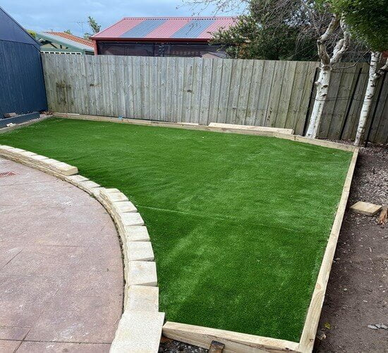 A finished photo of an artificial turfing job in Narre Warren South.
